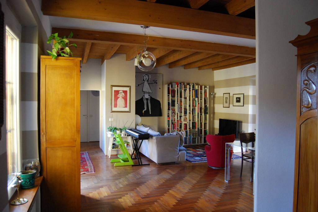 Appartamento in ottime condizioni in vendita Rif. 8831058