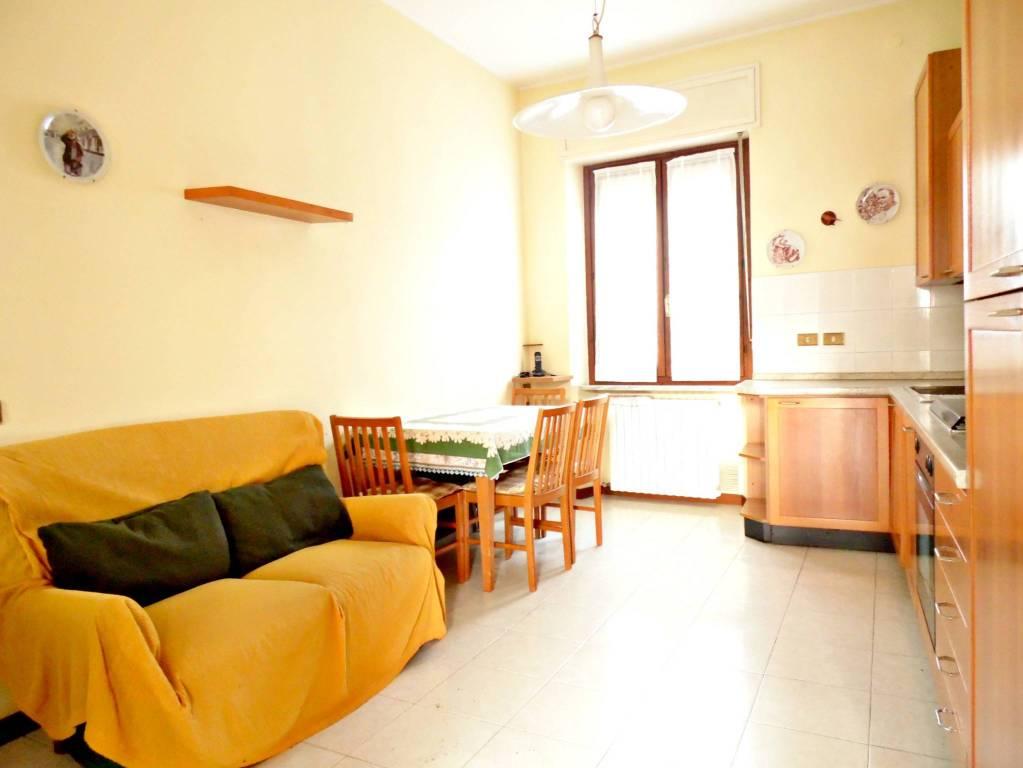 Appartamento in buone condizioni in vendita Rif. 8830069