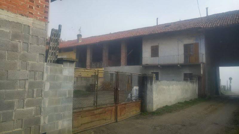 Soluzione Indipendente in vendita a Caluso, 5 locali, prezzo € 49.000 | CambioCasa.it