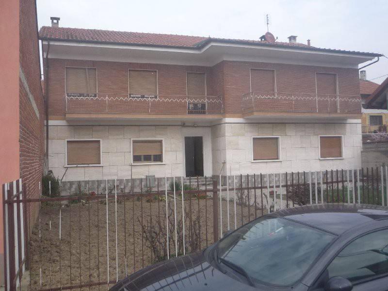 Appartamento in ottime condizioni in affitto Rif. 8829959