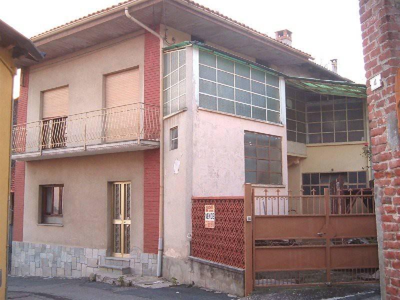 Soluzione Indipendente in vendita a Orio Canavese, 4 locali, prezzo € 45.000 | CambioCasa.it