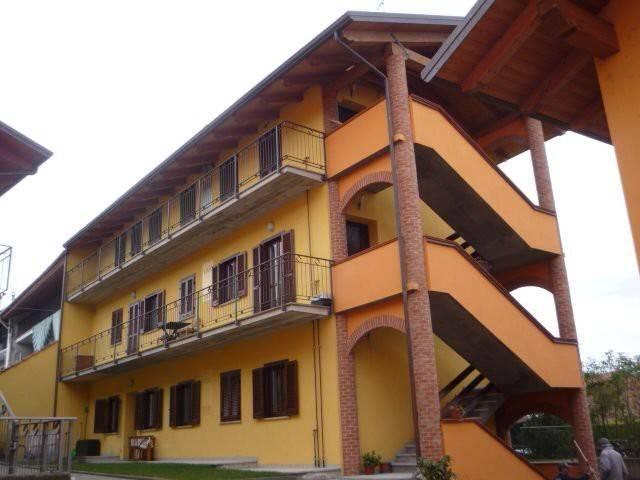 Appartamento in vendita a Strambino, 4 locali, prezzo € 110.000 | CambioCasa.it