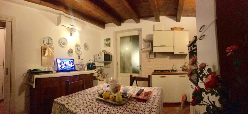 Appartamento in ottime condizioni arredato in affitto Rif. 8831433