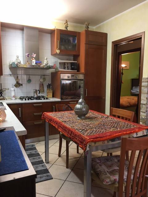 Appartamento in buone condizioni in vendita Rif. 8830056