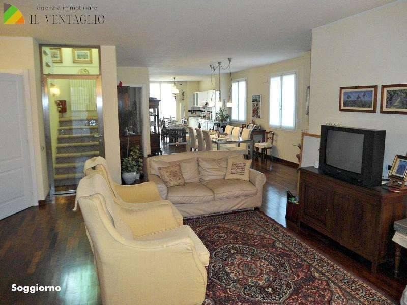 Villetta a schiera in ottime condizioni in vendita Rif. 7768953