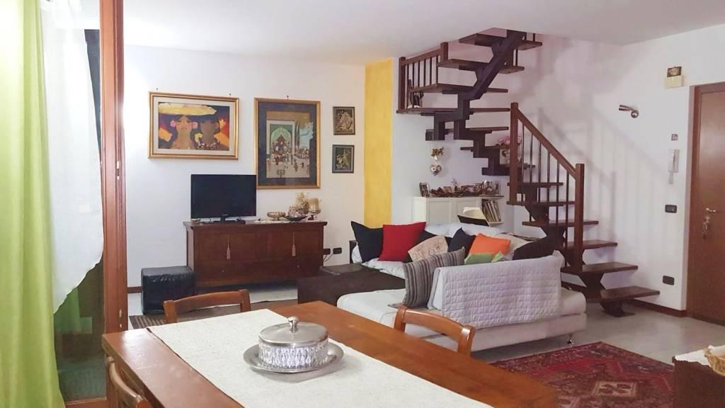 Appartamento quadrilocale al piano secondo