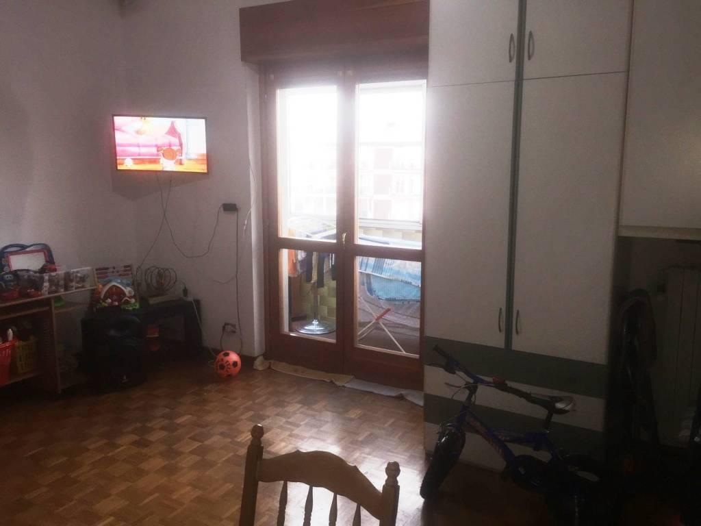 Appartamento in buone condizioni in vendita Rif. 8830149