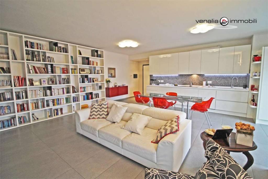 Appartamento in vendita Rif. 8327276