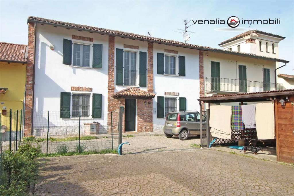 Appartamento in ottime condizioni in vendita Rif. 7910176