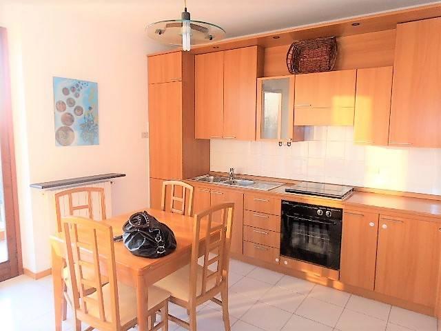 Appartamento in buone condizioni arredato in affitto Rif. 8828470