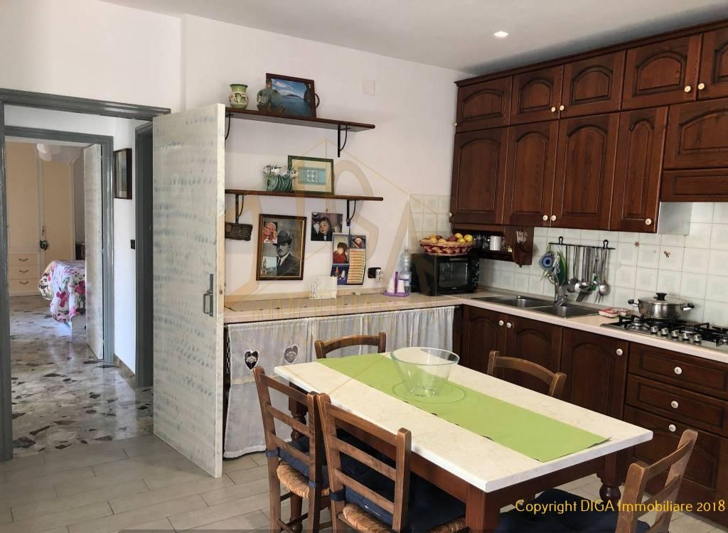 Appartamento in ottime condizioni in vendita Rif. 9292431