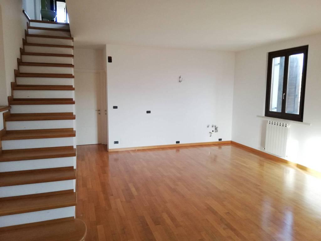 Appartamento 6 locali in vendita a Ascoli Piceno (AP)