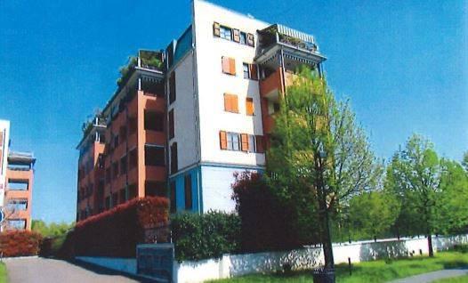Appartamento in buone condizioni in vendita Rif. 8845209