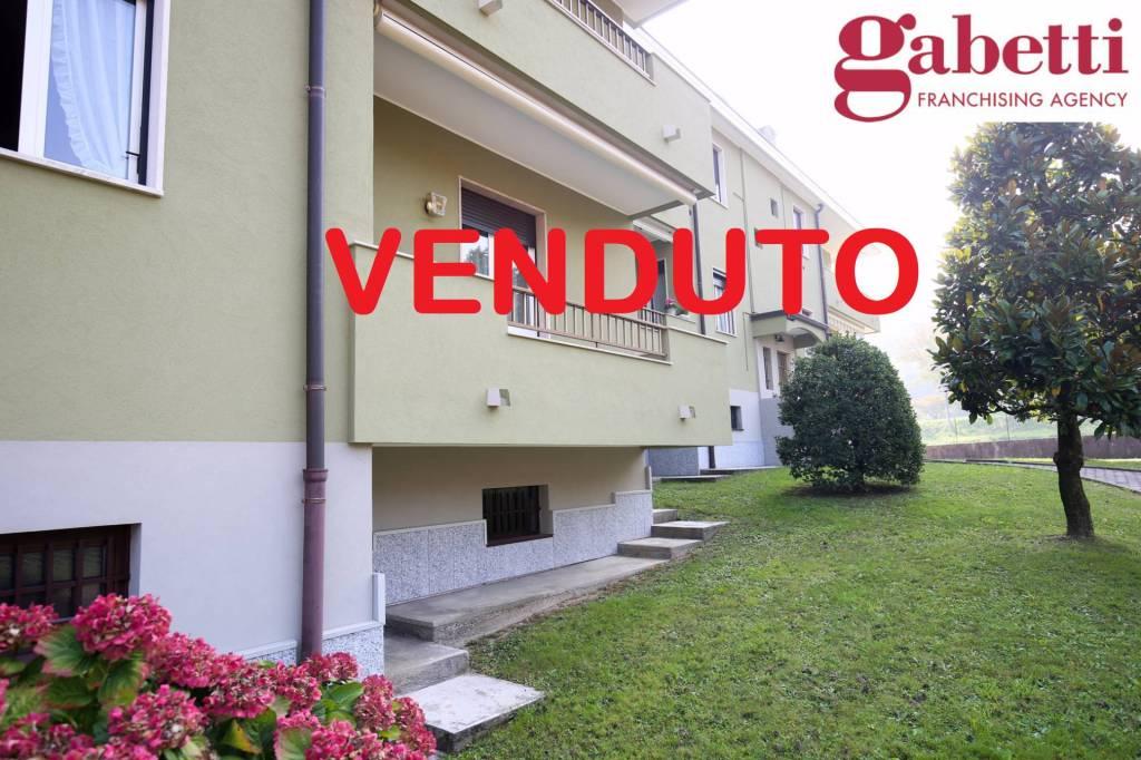 Appartamento in buone condizioni in vendita Rif. 4439337