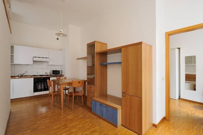 Appartamento in ottime condizioni arredato in affitto Rif. 8831242