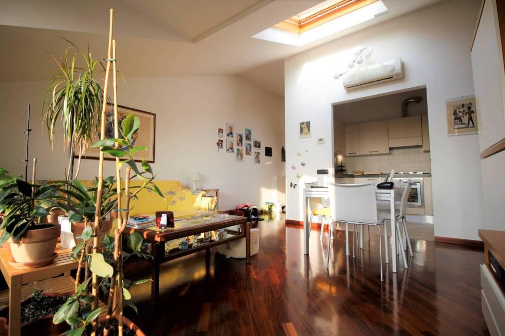 Appartamento in ottime condizioni in vendita Rif. 8831223