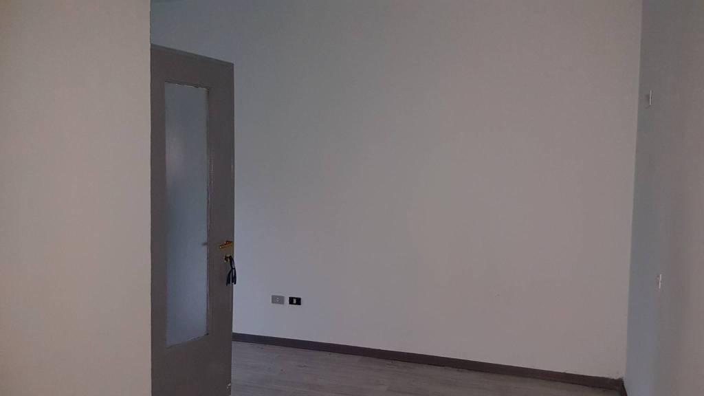 Appartamento in buone condizioni in vendita Rif. 8909761