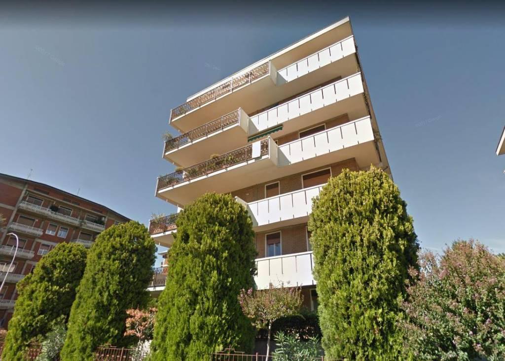 Appartamento in buone condizioni in vendita Rif. 8845214