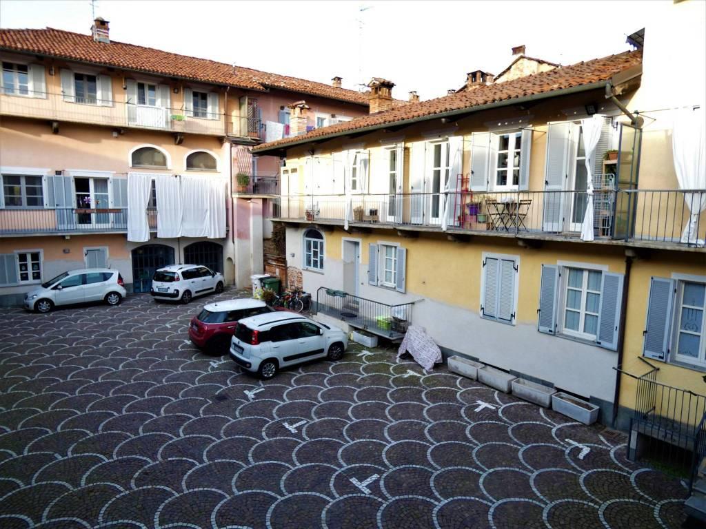 Appartamento in ottime condizioni arredato in vendita Rif. 7495386