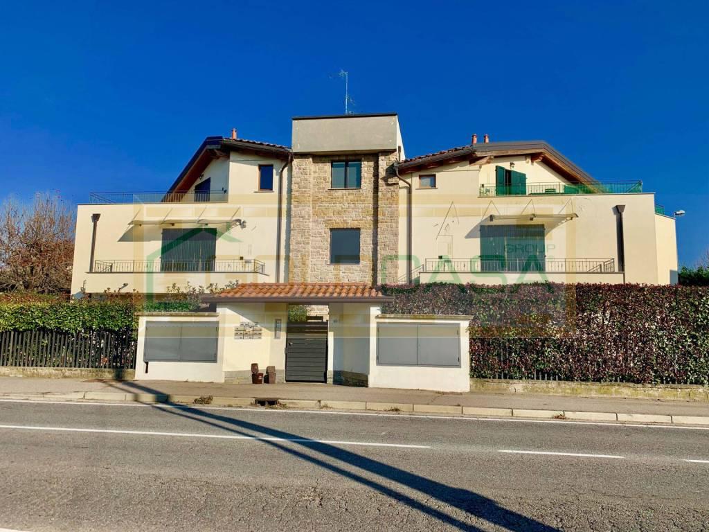 Appartamento in ottime condizioni in vendita Rif. 8828538