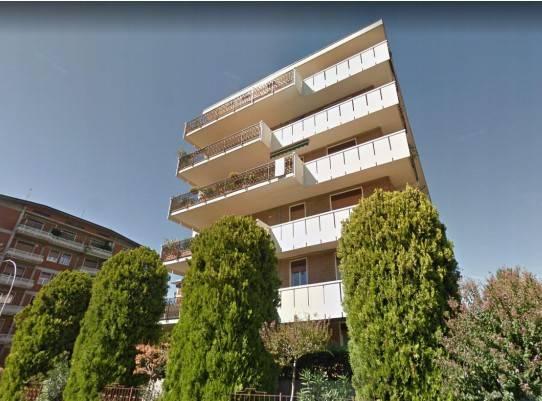 Appartamento in buone condizioni in vendita Rif. 8834182