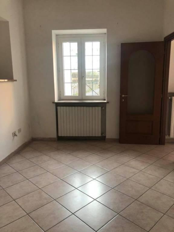 Appartamento in ottime condizioni parzialmente arredato in affitto Rif. 8830689