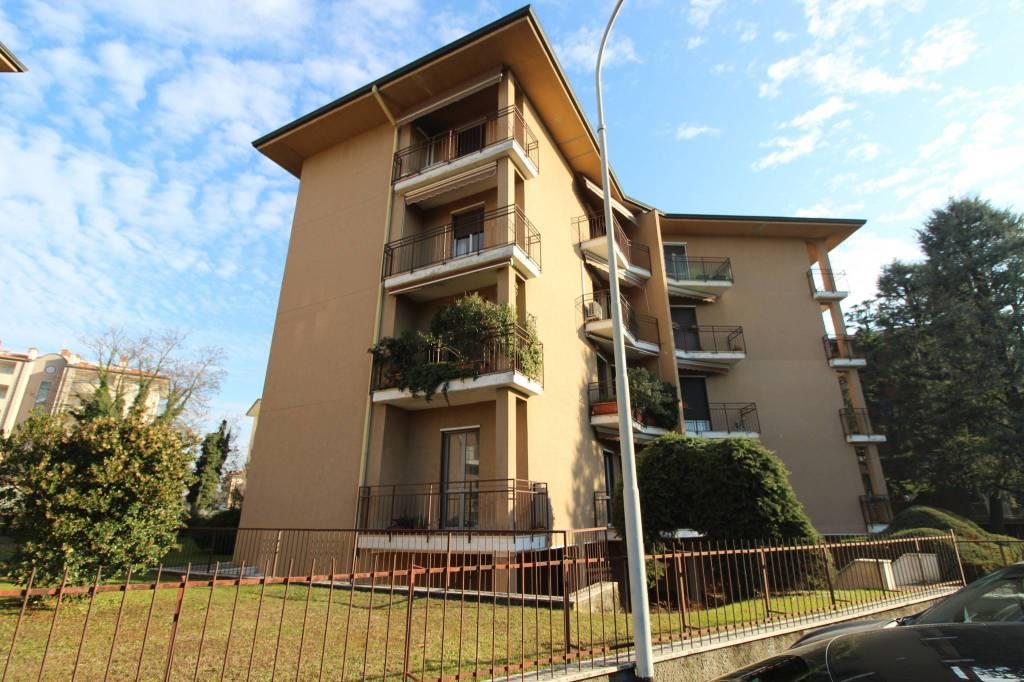 Appartamento da ristrutturare in vendita Rif. 8829678
