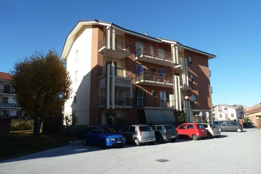 Appartamento in ottime condizioni arredato in affitto Rif. 8832006