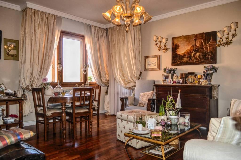 Appartamento in ottime condizioni parzialmente arredato in vendita Rif. 8831755