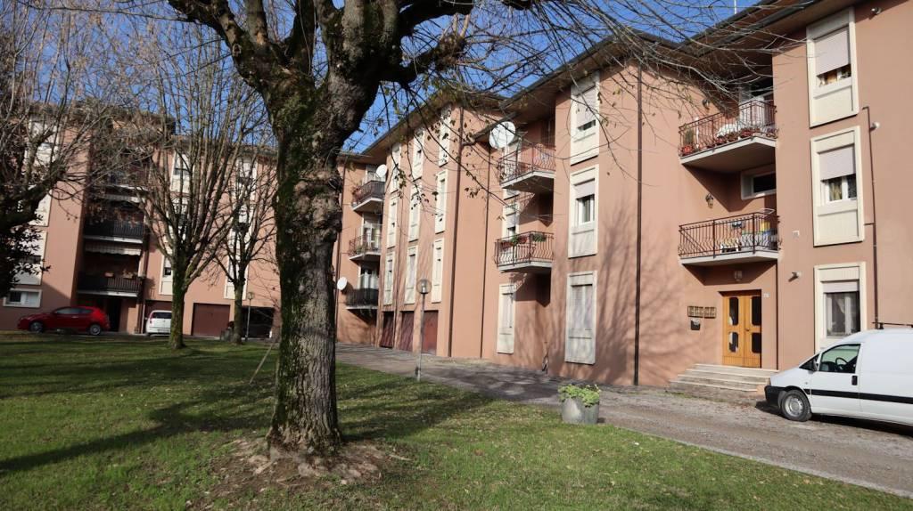 Appartamento in buone condizioni in vendita Rif. 8831250