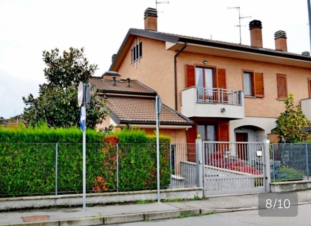 Villa in ottime condizioni in vendita Rif. 9302590