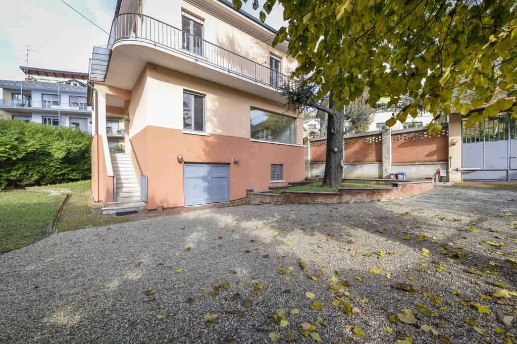 Foto 1 di Villa strada Guido Volante 9, Torino (zona Precollina, Collina)