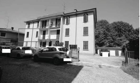 Appartamento in buone condizioni in vendita Rif. 8832630