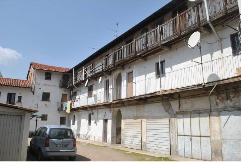 Appartamento in buone condizioni in vendita Rif. 8834042