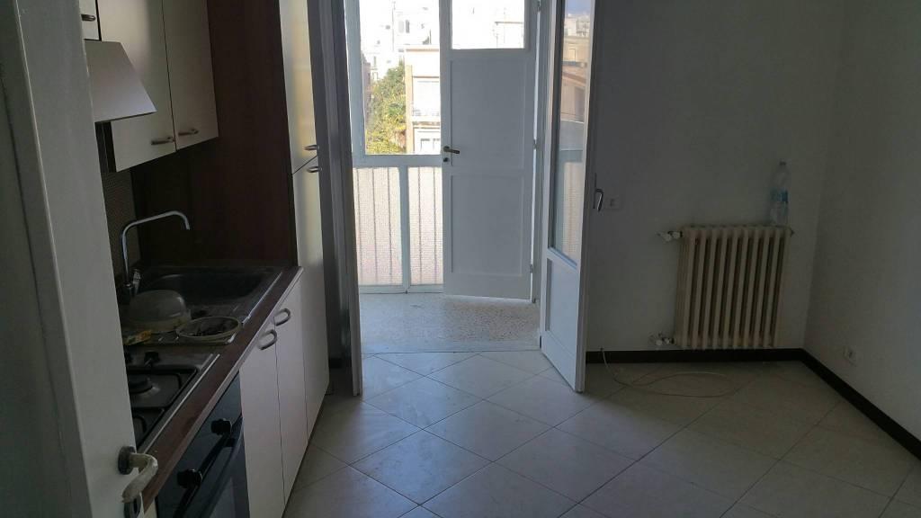 Appartamento in buone condizioni parzialmente arredato in affitto Rif. 8831587