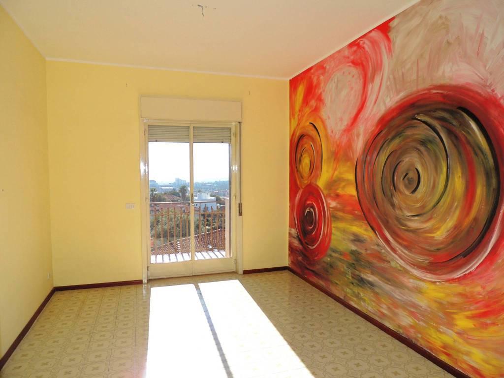 Appartamento in buone condizioni in vendita Rif. 8830449
