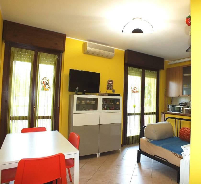 Appartamento in ottime condizioni in vendita Rif. 8831622