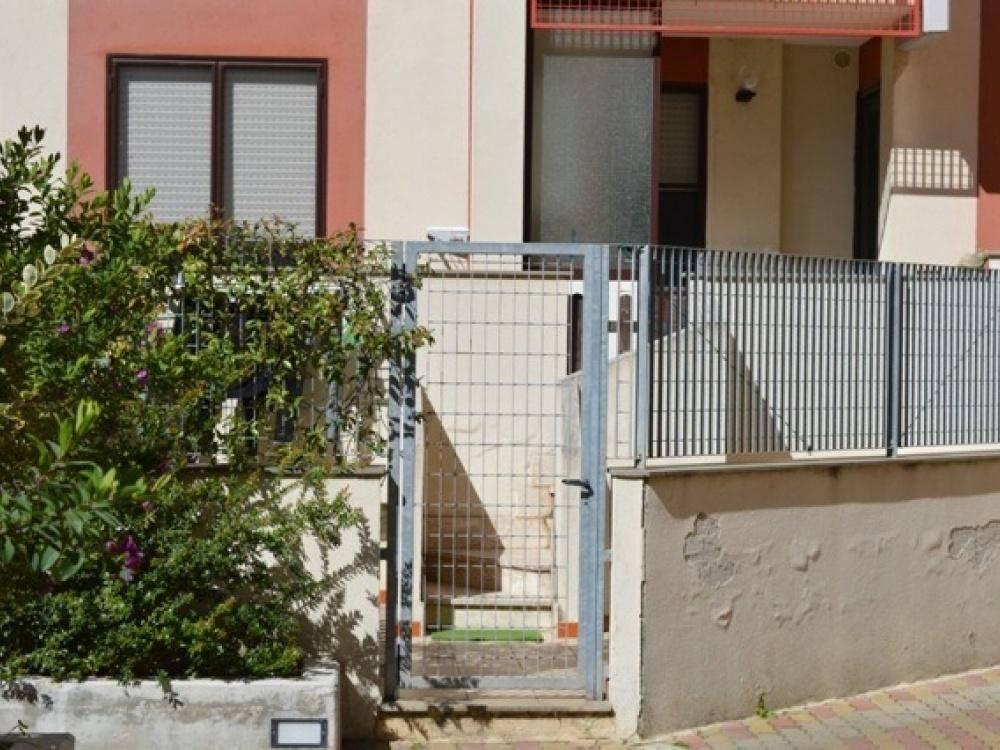 Appartamento in buone condizioni in vendita Rif. 8833957