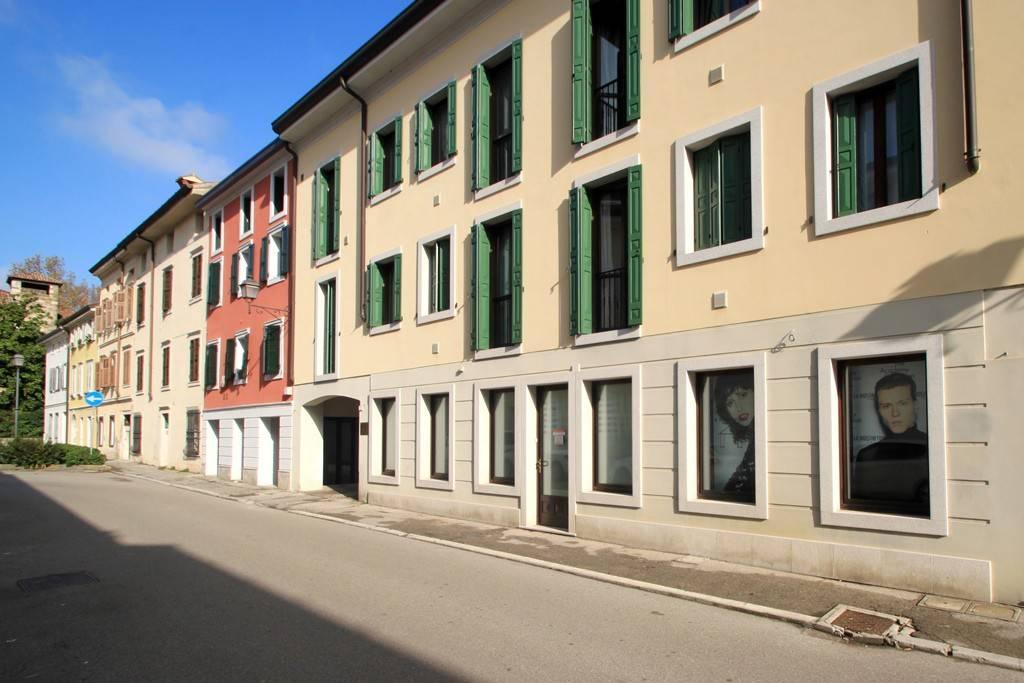 Gradisca d'Isonzo - Locale commerciale al piano terra