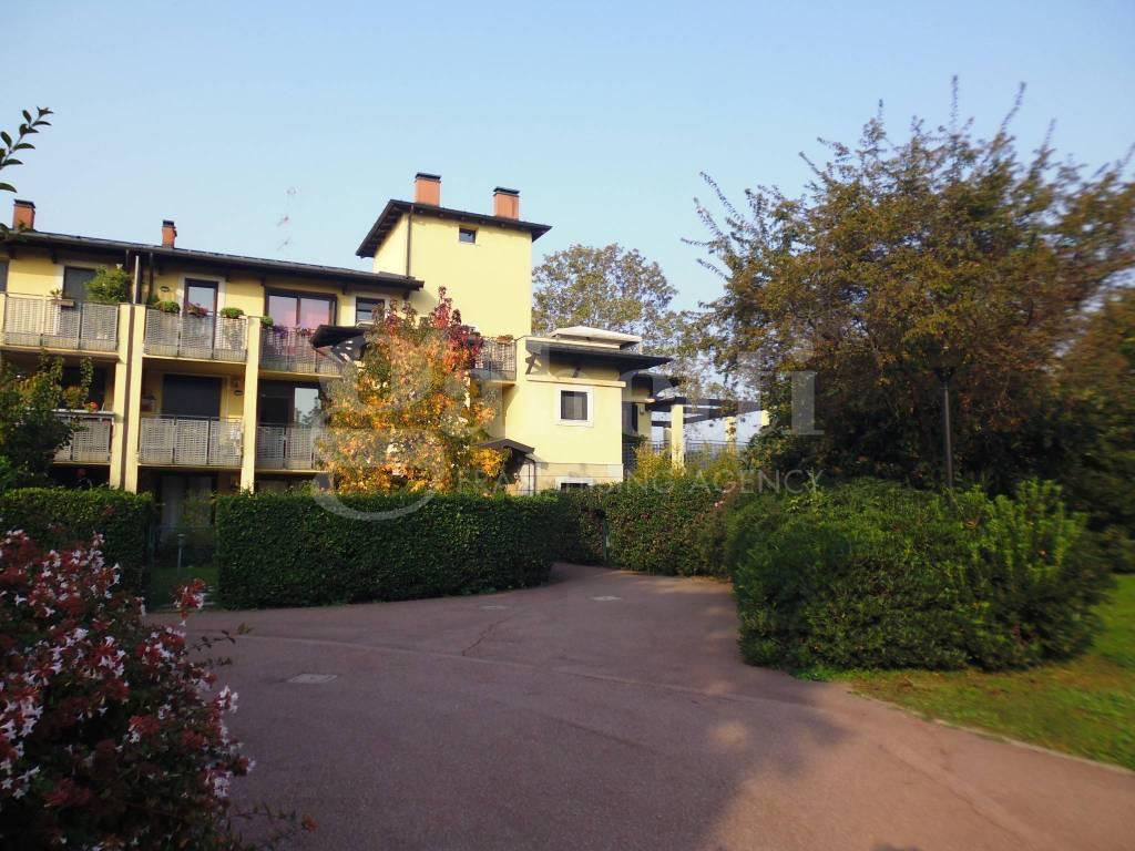 Appartamento in ottime condizioni in vendita Rif. 8829715