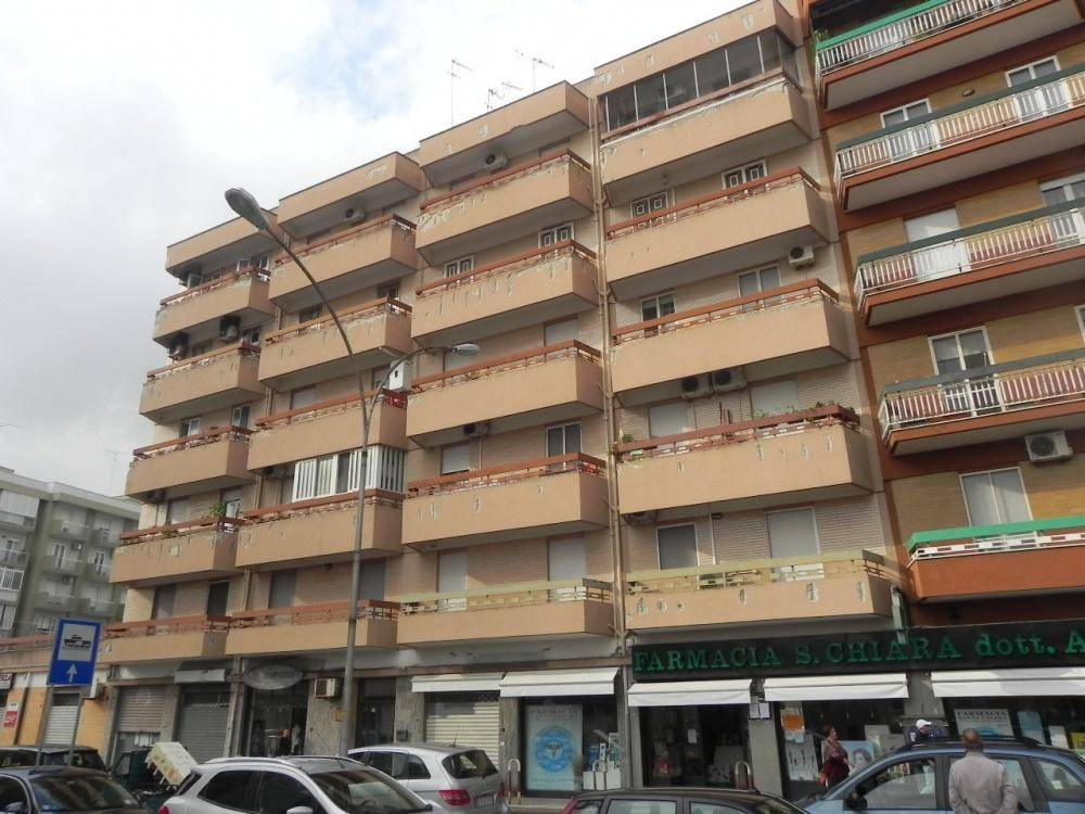 Appartamento in buone condizioni in vendita Rif. 8833960