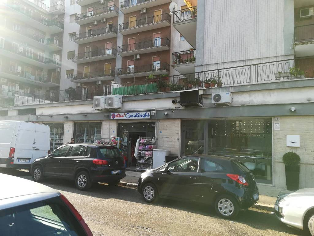Negozio-locale in Affitto a Foggia Centro: 1 locali, 400 mq