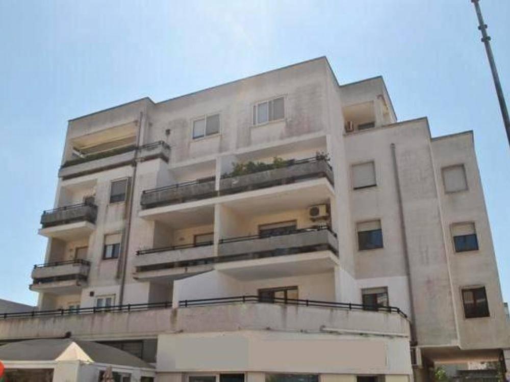 Appartamento in buone condizioni in vendita Rif. 8833961