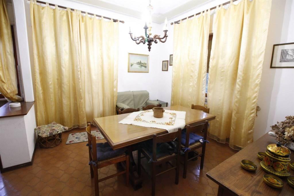 Appartamento in buone condizioni arredato in affitto Rif. 8829033