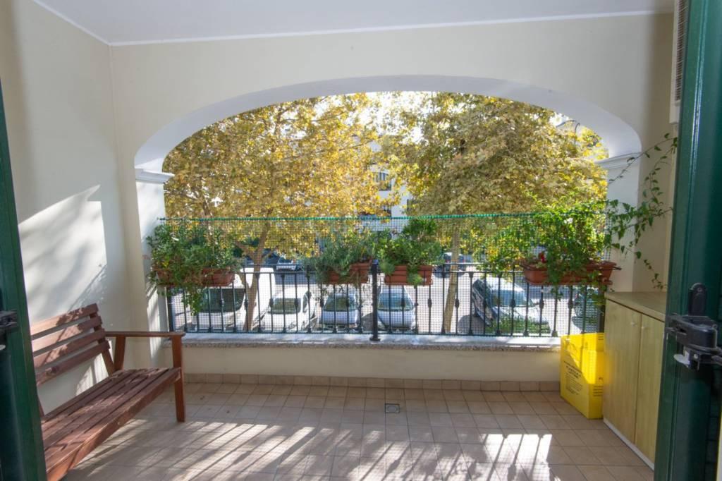 Appartamento in buone condizioni in vendita Rif. 9210599