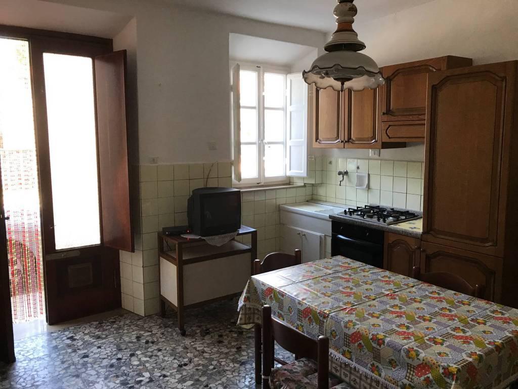 Appartamento in buone condizioni arredato in affitto Rif. 8848061