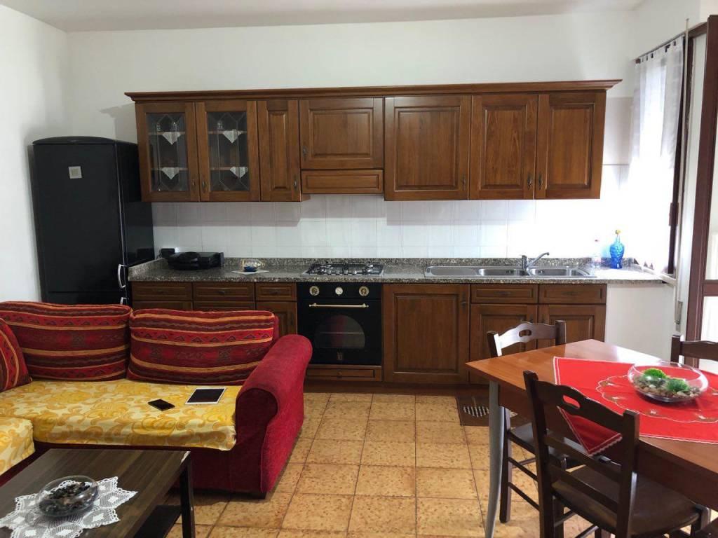 Appartamento in buone condizioni in vendita Rif. 8846780