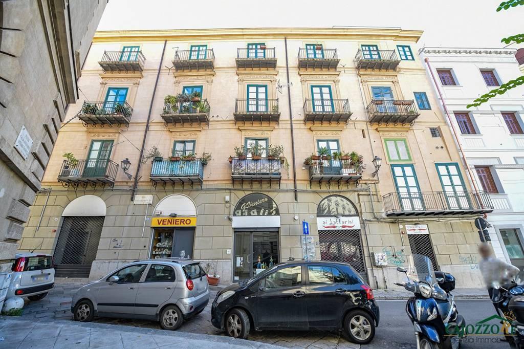 Via Roma/p.zza Cassa Risparmio-Locale 2 luci Rif. 9303820