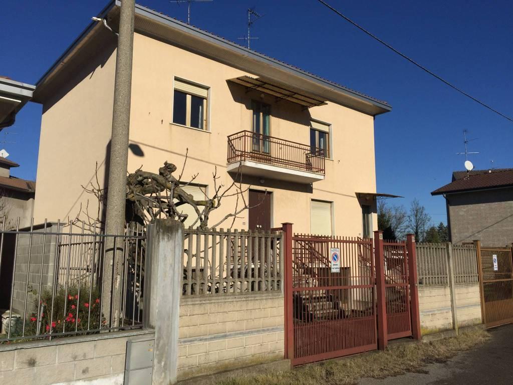 Appartamento da ristrutturare in vendita Rif. 8849302