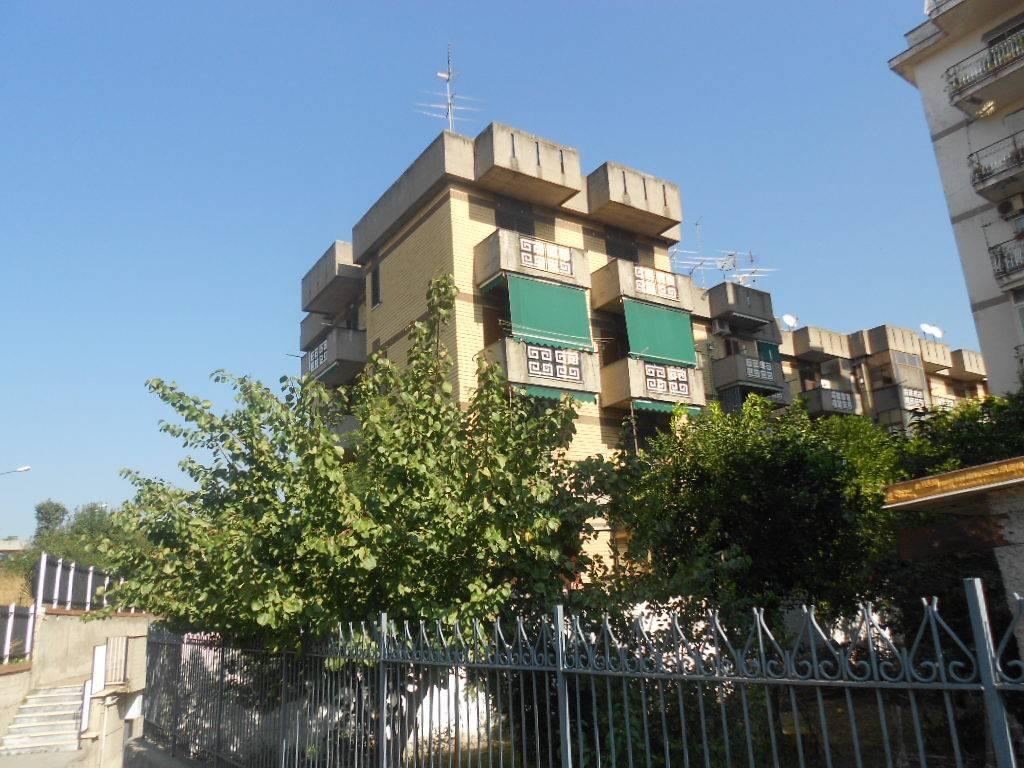 Appartamento in buone condizioni in vendita Rif. 8844690